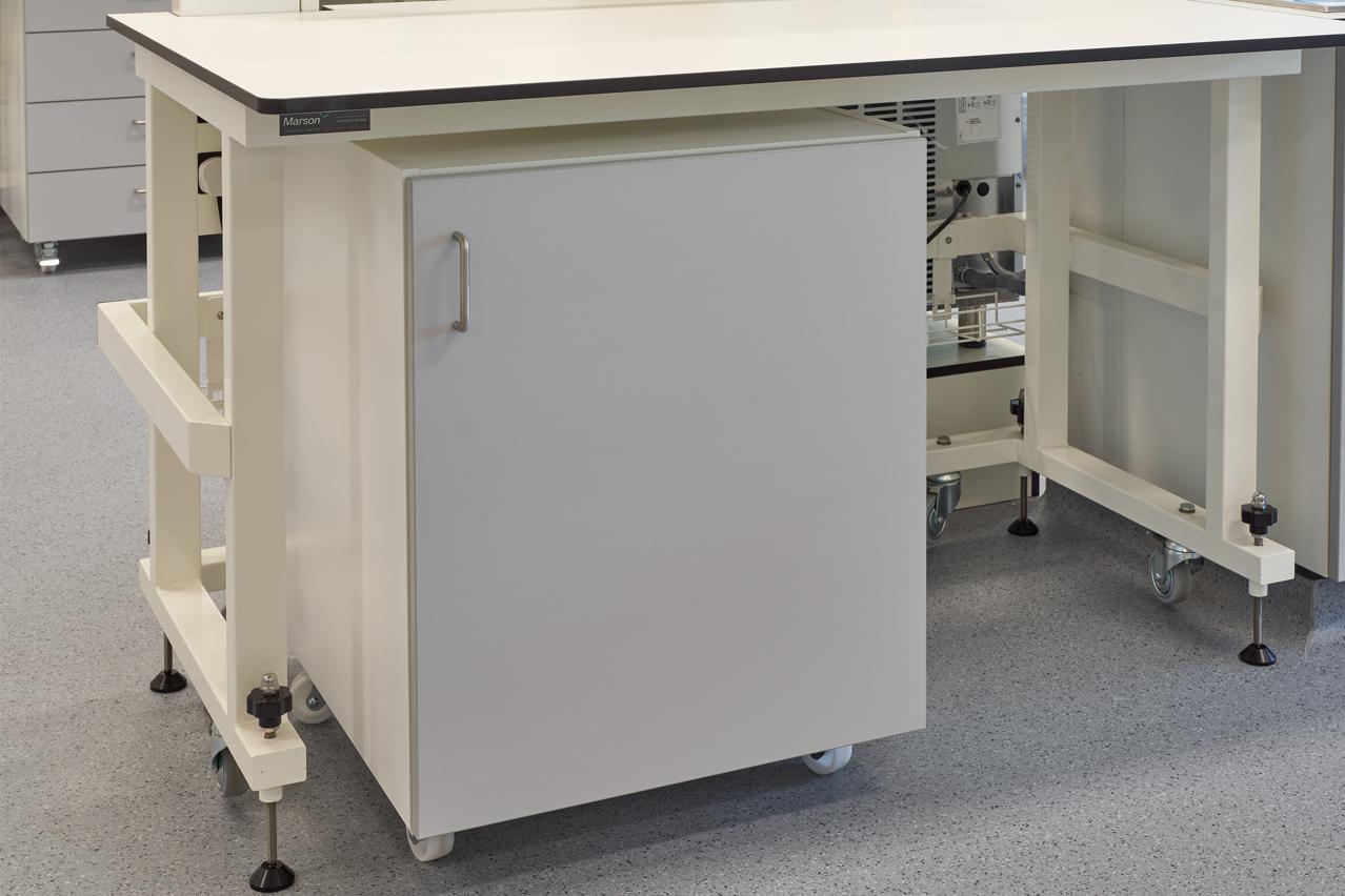 M602A - Cupboard unit.